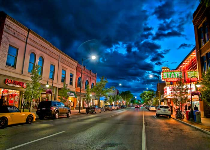 Traverse City street in the evening