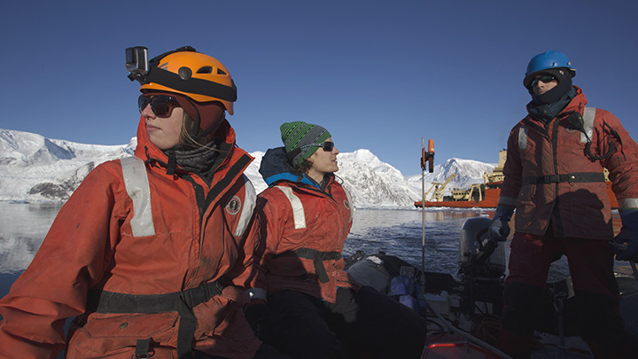 Lauren Manck and fellow lab member Kiefer Forsch collect water samples for iron analysis from Andvord Bay, a fjord ecosystem along the West Antarctic Peninsula. Photo credit: Maria Stenzel