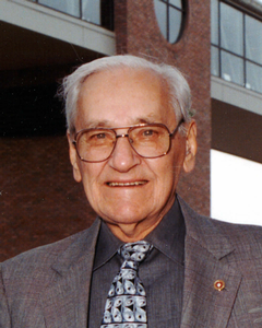Former Calvin president William Spoelhof
