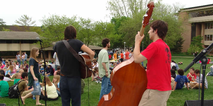 A band playing at the 2006 Spring Arts Festival