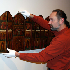 Hanging the iconostasis