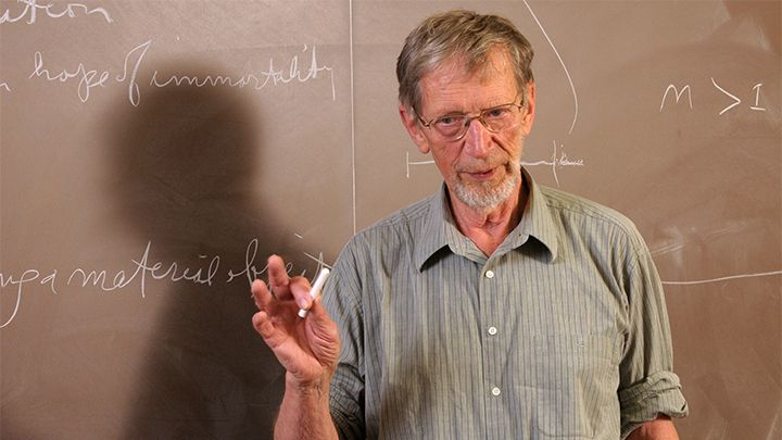 Alvin Plantinga teaching students on a return visit to Calvin.