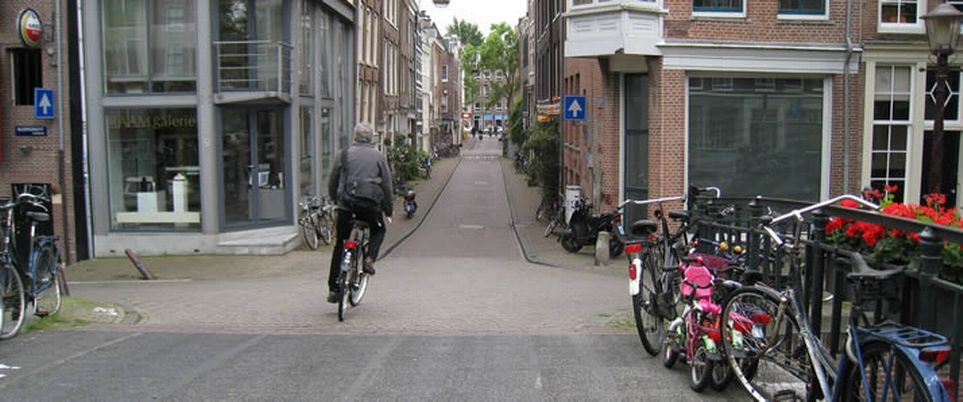 Prof researches urban cycling in Europe