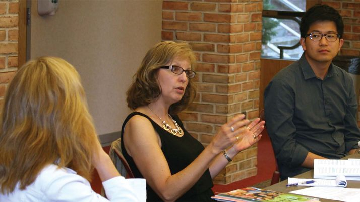 Professor Julie Yonker speaks at the Christian Perspectives on Mental Illness working group.