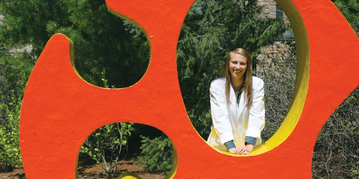 Senior Lauren Manck will research seagrasses in Spain via a Fulbright Scholarship.