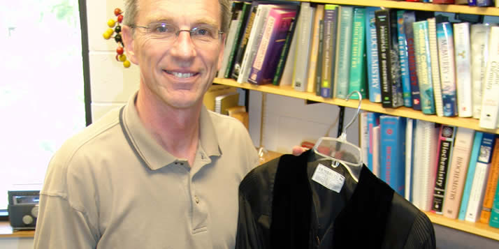 Larry Louters will wear former Calvin president William Spoelhof's gown for Commencement.