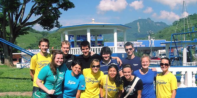 A group of Calvin students spent the last week of May in Panama with the Calvin chapter of Global Business Brigades (GBB), whose mission is to educate business people in the developing world.